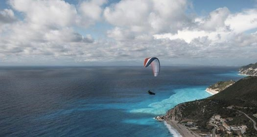 Paragliding support in lefkada