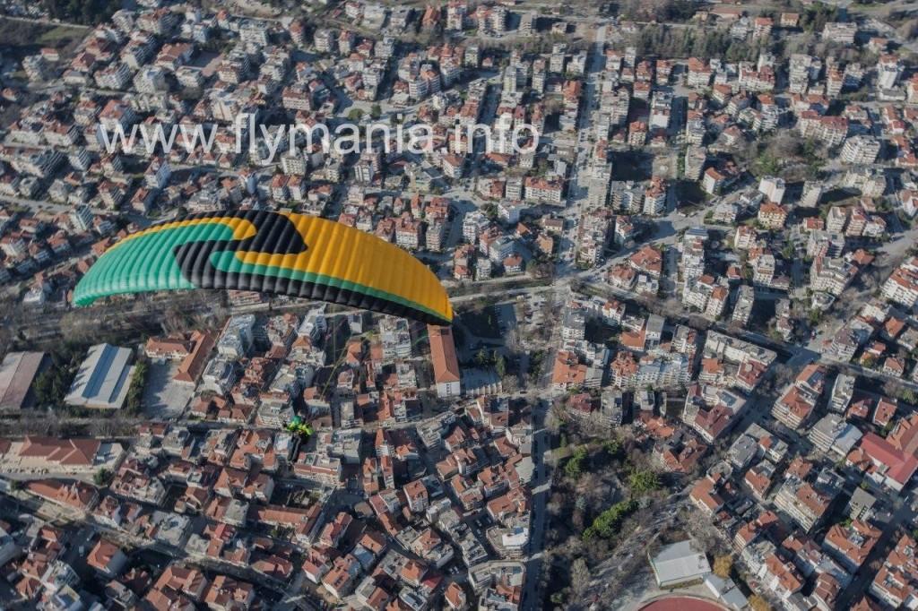 paraglidingingreece.com